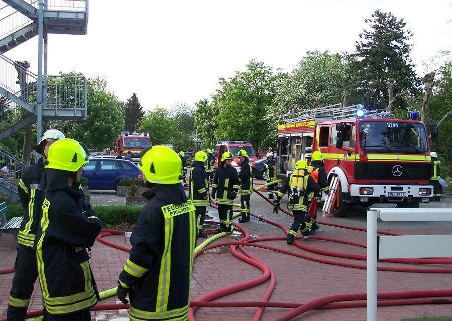 Alarmübung in Kummerfeld: Feuer im Altenheim