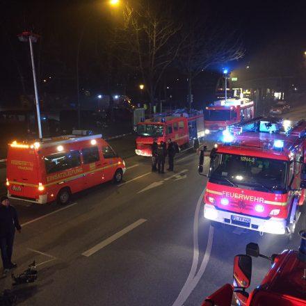 Einsatzfahrzeuge auf der Elmshornerstraße