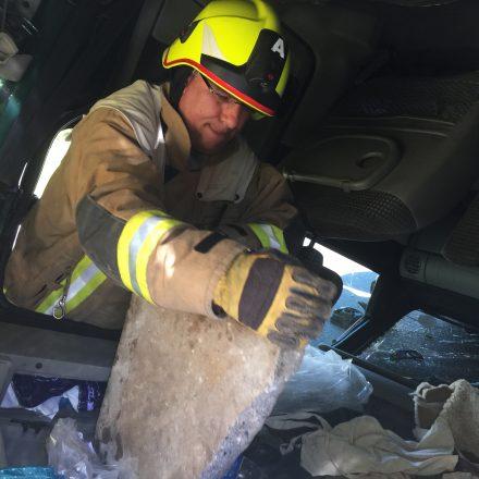 Gehwegplatten mussten aus dem Auto geräumt werden