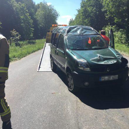 Auto und Anhänger wurden abtransportiert