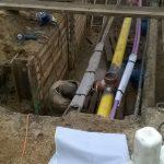 Blick in die Baugrube mit der beschädigten Hochdruck-Gasleitung