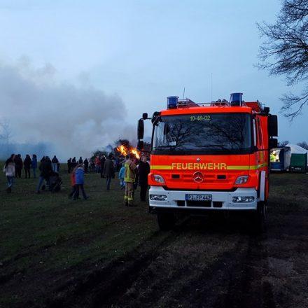 Die Brandwache durch die Kameraden aus Saldenau