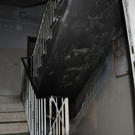 Treppenhaus durch Brandrauch stark in Mitleidenschaft geraten. Bild: KFV Pinneberg