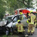 Das Fahrzeuges ist stabilisiert. Der Rettungsdienst hat die Patientenversorgung übernommen