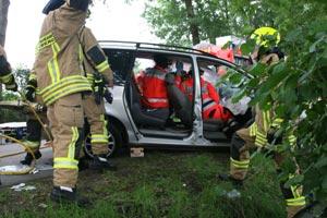 Der Patient wird die ganze Zeit über durch den Rettungsdienst versorgt und betreut