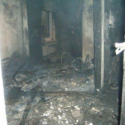 Die enorme Hitzeentwicklung im Inneren des Gebäudes hat alles vernichtet
