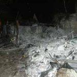 Der Schuppen brannte im hinteren Teil völlig ab, die Lagerhalle rechts blieb verschont