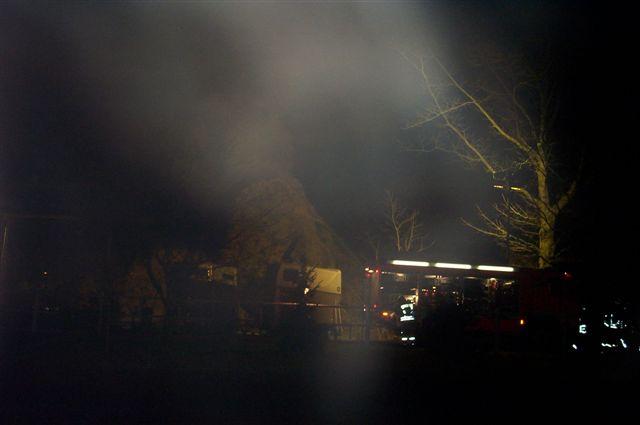 Im Dunkeln musste die Einsatzkräfte die Lage erkunden