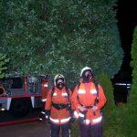 Für den eingesetzten Atemschutztrupp im Haus stand außerhalb ein Reservetrupp bereit