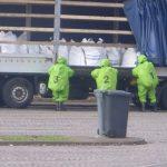 Ein Trupp unter CSA untersucht die Ladung