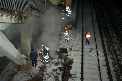Mit Kohlensäure wurde die Brandbekämpfung eingeleitet