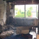 Im Wohnzimmer platzte durch die enorme Hitze der Putz von den Wänden