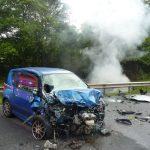 Der weniger beschädigte Unfallwagen