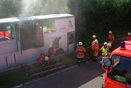 brennt Reisebus