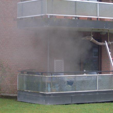 Die Rauchentwicklung durch die brennende Küchenzeile zog durch die gesamte Wohnung