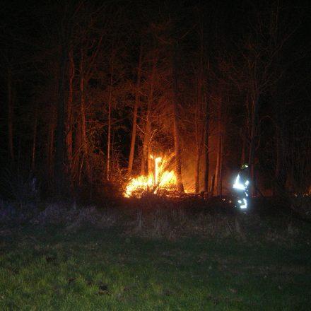 Die erste Brandbekämpfung wird mit der Schnellangriffseinrichtung vorgenommen