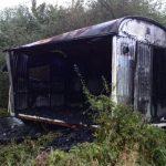 Der ausgebrannte Bauwagen