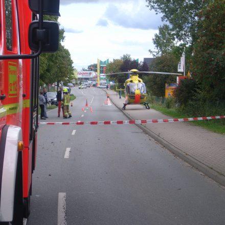 """Glanzleistung des Piloten: Er hat den Rettungshubschrauber auf dem Gehweg """"geparkt"""""""