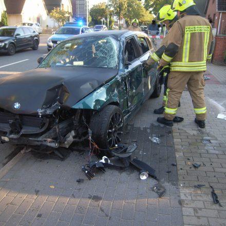Nur geringe Mengen Kühlmittel waren ausgetreten, der BMW jedoch war total zerstört.