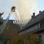 Im Mittelteil des Gebäudes in T-Form brannte das Dach zuerst durch