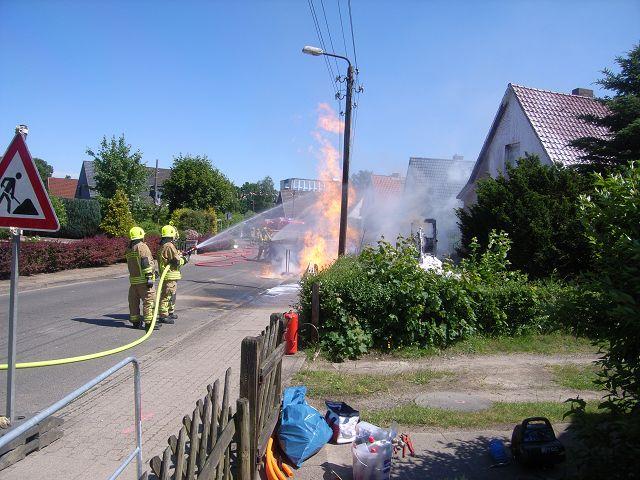 Brennt Gasleitung in Baugrube