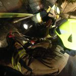 Feuerwehr als Klempner, beim gescheiterten Versuch die Wasserleitung abzudichten