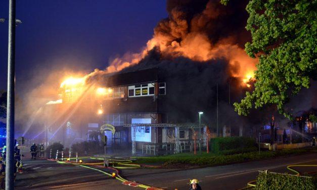 Unterstützung bei Großfeuer in Wedel