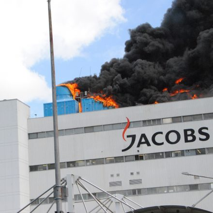 Feuer auf dem Dach