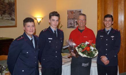 Jugendfeuerwehr Pinneberg bedankt sich bei ihrem jahrelangen Unterstützer