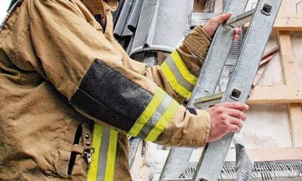 RVFD hilft bei der Brandbekämpfung in Pinneberg