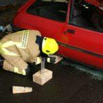 Stabilisieren des Fahrzeuges mit Holzkeilsystem