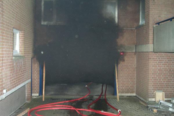 Feuer in Tiefgarage – mehrere Explosionen
