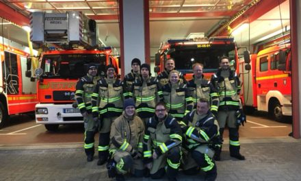 Osterfeuer in Waldenau und Wedel