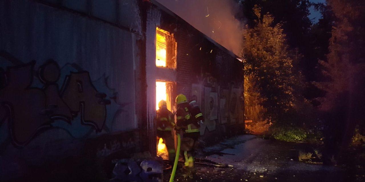Großfeuer in ehemaliger Fabrik