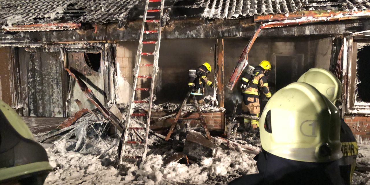 Feuer in Doppelhaus