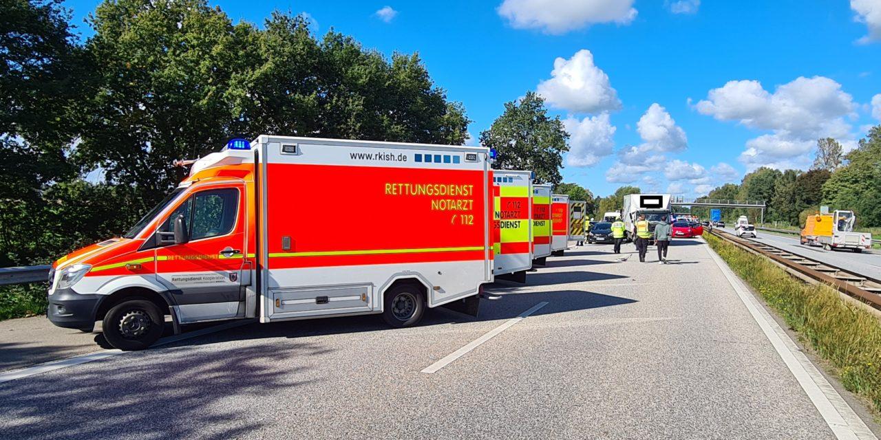 Verkehrsunfall mit vier Fahrzeugen
